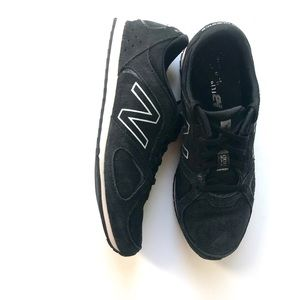 Women's New Balance, Used Sneakers, Size 8.5